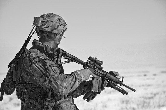 voják na stráži