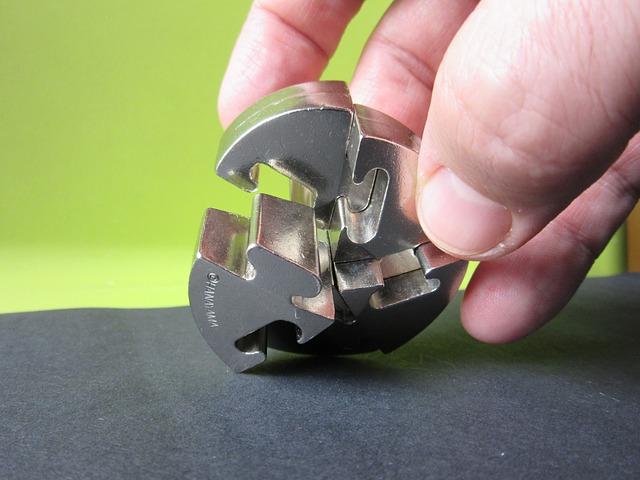 kovové dílky