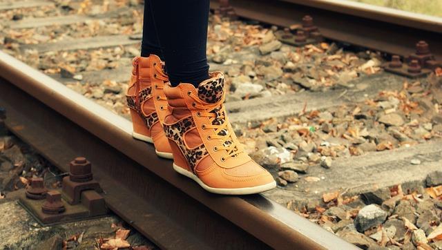 nohy na koleji