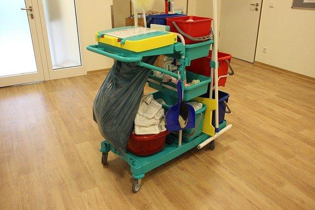 vozík uklízečky